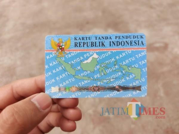 Ilustrasi Kartu Tanda Penduduk (KTP). (Foto: Tubagus Achmad/JatimTIMES)