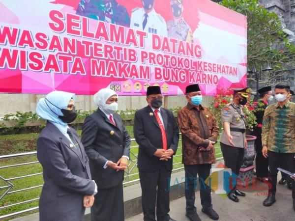 Gubernur Jawa Timur Khofifah berkunjung ke Kota Blitar.(Foto : Team JATIMTIMES)