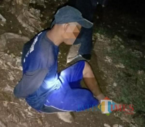 Pelaku SN (inisial) saat ditangkap Polisi. (Foto: Dok. Polisi/TulungagungTIMES)