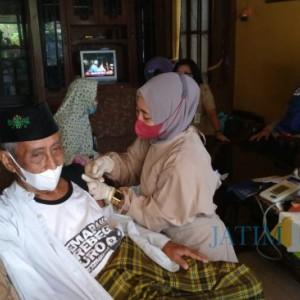 Punishment Bendera Hitam Efektif, Capaian Vaksinasi Kecamatan Tajinan Meningkat