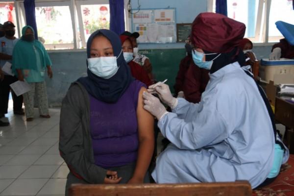 Salah satu kegiatan vaksinasi di Kabupaten Malang.(Foto: Istimewa).
