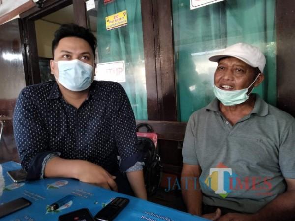 Basuki didampingi kuasa hukumnya, Didik Lestariono.(Foto: Riski Wijaya/MalangTIMES)