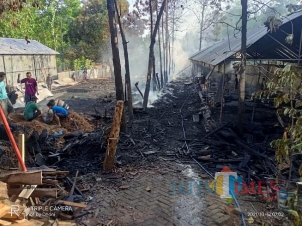 Perusahaan produksi pengolahan kayu jati yang ludes terbakar. Foto Satria Romadhoni for jatimTIMES