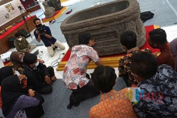 Peserta Saka Pariwisata untuk Belajar Bersama di Museum Airlangga.(foto:istemewa)