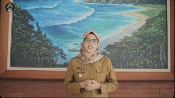 Bupati Blitar Rini Syarifah (Foto : tangkapan layar)
