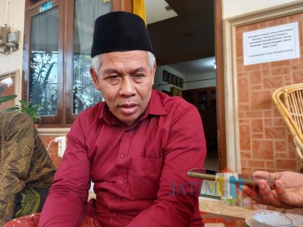 Ketua Umum Pengurus Wilayah Nahdlatul Ulama (PWNU) Jawa Timur KH Marzuqi Mustamar saat ditemui JatimTIMES.com di kediamannya, Rabu (13/10/2021). (Foto: Tubagus Achmad/JatimTIMES)
