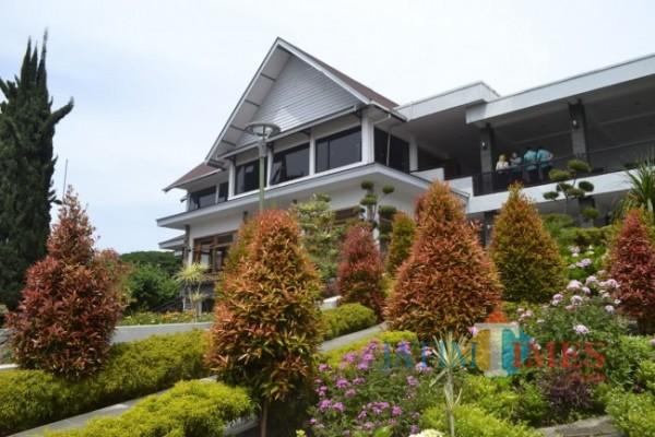 Vila Bima Shakti yang tidak pernah berubah bangunannya di Taman Rekreasi Selecta. (Foto: Irsya Richa/MalangTIMES)