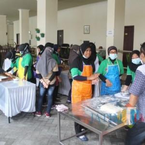 Disnaker Pemkab Blitar Bekali Pekerja Migran dengan Pelatihan Ketrampilan Membuat Kue Pastri