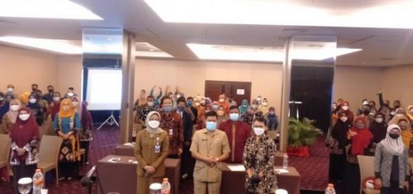 Kadisdikbud Kota Malang, Suwarjana (tengah) saat membuka sekaligus memberikan pengarahan pada kegiatan Lokakarya Perdana Pendidikan Guru Penggerak (PGP) Angkatan 4 Bagi Wilayah Mitra Provinsi Jawa Timur (Ist)