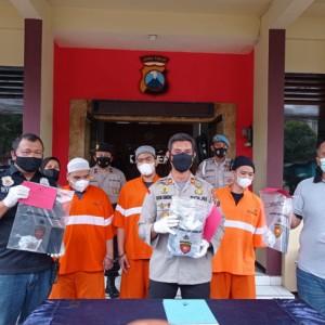 Polisi di Malang Tangkap Tiga Tersangka Peredaran Narkotika, Amankan 1,5 Kilogram Ganja