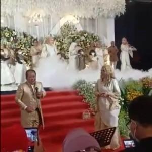 Masih Level 3, Bupati Jember Menyanyi di Acara Pernikahan Viral di Medsos