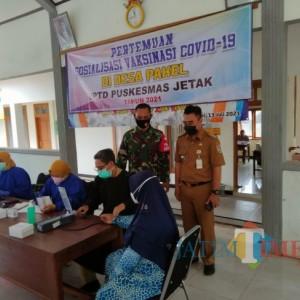 Vaksinasi Tuban Rendah, TNI dan Nakes Aktif Sasar Warga Pedesaan
