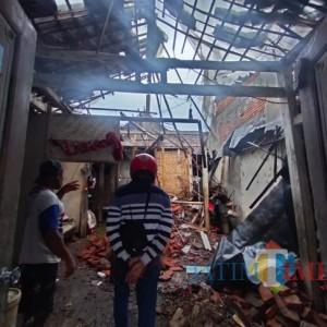 Akibat Angin Kencang, Kakek 81 Tahun Tertimpa Material Bangunan