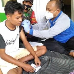 Tingkat Kesadaran Masyarakat Tinggi, Polindes Desa Rabasan Gencar Gelar Vaksinasi
