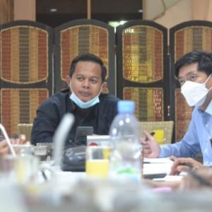 Reses bersama Petugas Puskesos Lowokwaru, Ketua Komisi B DPRD Kota Malang Sampaikan Ini