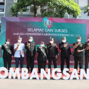 Peringatan Hari Jadi Pemkab Jombang ke-111, Bupati Mundjidah Launching Jombang Santri