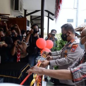 Tingkatkan Sinergitas Bersama Wartawan, Kapolres Madiun Kota Launching Ruang Pojok Media