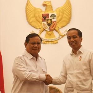 Melihat Makna di Balik Pujian Prabowo ke Presiden Jokowi