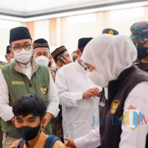 Pantau Vaksinasi di Pamekasan, Gubernur Jatim: Jangan Lengah, Jangan Kendur