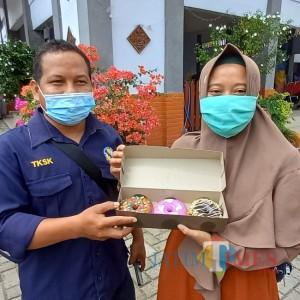 Kisah Inspiratif Istri Pekerja Sosial di Lamongan, Pilih Jualan Donat saat Pandemi Menyerang