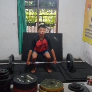 Bergelimang Prestasi, Cerita Atlet Angkat Berat dan Angkat Besi Kabupaten Malang yang Rela Latihan di Ruang Tamu