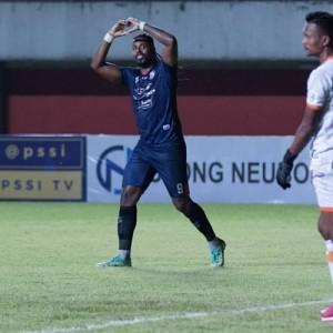Berada di Tren Kemenangan, Pelatih Arema FC Belum Puas